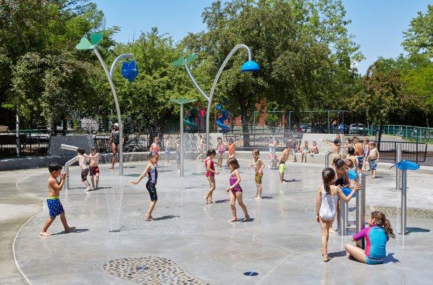Inauguration des jeux d'eau au parc De Normanville, le 11 juillet 2016